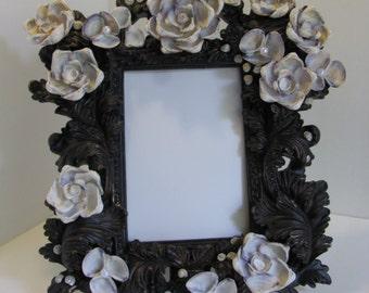 Absolutely Beautiful Seashell frame in Purple!