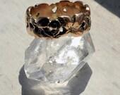 A lovely 9k rose gold Art Nouveau ring. Size 6