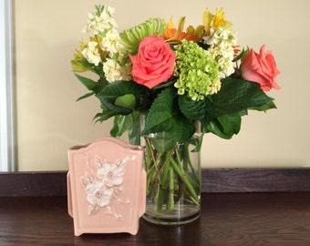 """Hull """"Rosella"""" Vase"""