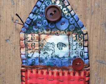 Fabric Scrappy House Brooch - Red & Blue