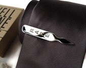 Steak Temperature tie clip. Polished stainless steel tie bar. Best Fathers Day gift for the meat lover. Choose rare, well done, & more!