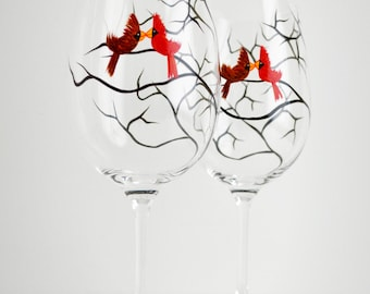 Love Birds Valentine Wine Glasses - Set of 2 Personalized Glasses Hand Painted with your Names - Valentine Gift