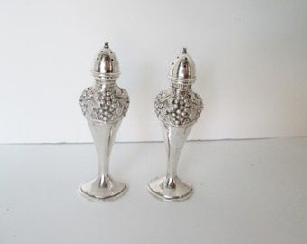 Silver Plate Salt and Pepper Art Nouveau Design Grape and Leaf Motif Pattern Kitchen and Dining Serving