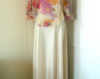 Vintage Beige Maxi Dress with Floral Chiffon Capelet