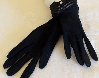 SALE Vintage rich black wrist gloves button tab one size - small