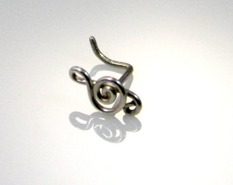 Treble Clef Nose Ring
