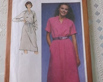 Simplicity 9572 MIsses Pullover Dress Pattern Misses Size 12,uncut pattern
