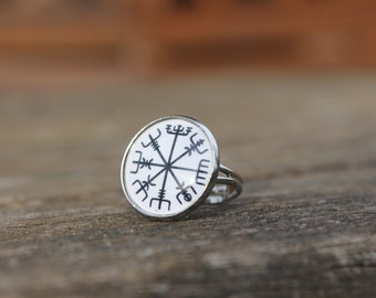 Vegvisir Icelandic Symbol Compass Ring - Glass Dome symbol Iceland Ring