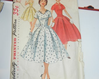 """Simplicity 1076 pattern complete 30"""" bust"""