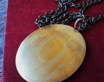 Vintage Large Locket Necklace Engraved Design Photo Locket Antique Brass and Copper
