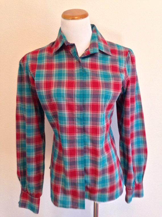 Levi Strauss & Co. Women's Red and Blue Plaid Button Up Shirt Large