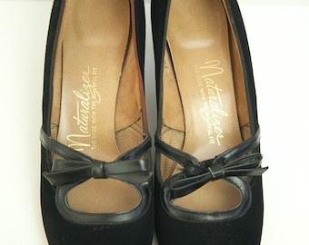 60's Black Suede Kitten Heels