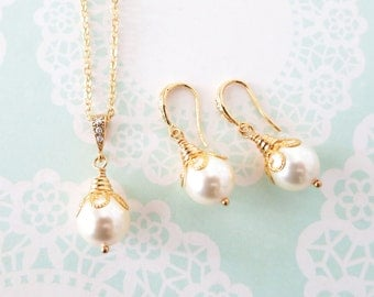 Wanika - Simple Gold Pearl Jewelry Set, Swarovski Pearl Drop, Champagne Gold Bridesmaid earrings necklace, chic, everyday pretty