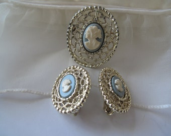 Sarah Coventry Blue Cameo Brooch Earrings Pendant Estate Jewelry Collectible