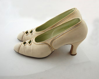 1920s Ivory and Gold Shoes - Ivory Heels  - 1900s - teens