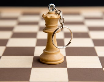 Chess piece key-chain - White queen (upcycled/recycledreclaimed wood wooden key-ring)