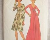 Simplicity 6563 Maxi V Neck 1970s Dress Vintage Sewing Pattern Bust 36