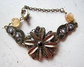 Pearl bracelet gold | flower | spring | women