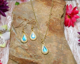 Blue & Gold Tear Drop Necklace And Earring Set - Clearance