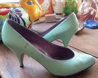 80s PETRA Firenze--HAND PAINTED Heels--Aqua on Plum Pumps--All Leather--Made in Italy--Size 8.5