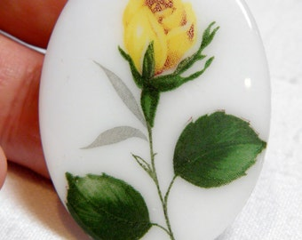 Cabochon - 1 Vintage Yellow Rose Bud on Glass Cabochon Unset 30x40MM Floral Still Life Cottage Chic Victorian Costume Historical Jewelry