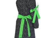 Cute Retro Mommy and Me Apron Set, Matching Mother Daughter aprons,  Black and White Dots, green ties, aprons for women children toddlers