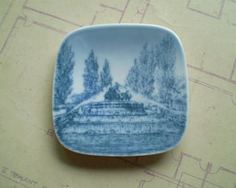 Gefion Springvandet - Bing & Grondahl Denmark - Vintage Miniature Plate - Blue and White