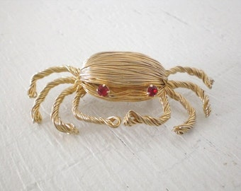 Vintage Wire Crab Brooch Red Rhinestone Eyes Figural Pin Gold Tone Costume Jewelry Mid Century GallivantsVintage