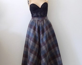1980s Wool Skirt - plaid full a-line - vintage fall & winter fashion