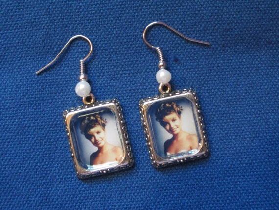Laura Palmer Homecoming Queen earrings. Miniature picture frame earrings, with or without pearl accent beads.
