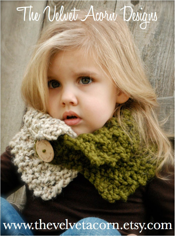 KNITTING PATTERN Venyce Cowl Toddler Child and Adult