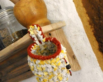 Crochet hanging basket - small rag basket yellow white beaded basket tagt team