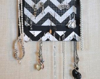 Jewel Board JEWELRY ORGANIZER Modest Black and White Chevron