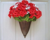 Red Geraniums Wreath Alternative, Red Wreath, Red Floral Wreath, Farmhouse Decor, Patriotic Decor, Front Door Wreath, Spring Wreath