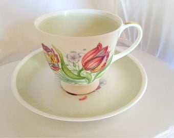 Susie Cooper Parrot Tulip Cup & Saucer  - Wedgwood - white green flower tulips mid century mod english china