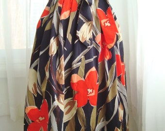 Beautiful Black Floral Belted Skirt, Size Small