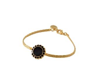 Gold and Black bracelet - Flower bracelet - Dainty bracelet - bridesmaids Bracelet - Romantic Jewelry - Charm bracelet - gift for her