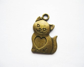 SALE - 8 Cat Charms in bronze tone - C739