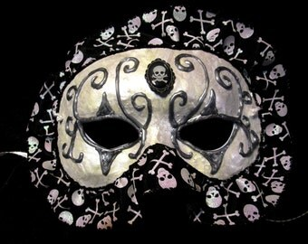 Black and White Skull and Crossbones Masquerade Mask
