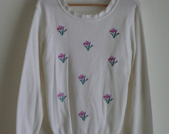 S A L E -  Embroidered White Sweater - M