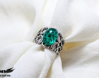 Green Stone Ring Size 7 to 11 - Gothic Ring - Victorian Gothic Jewelry