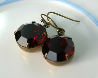 Deep Red Vintage Garnet Swarovski earrings, garnet earrings, red earrings, dark red earrings, deep red earring, deep red earrings GR7