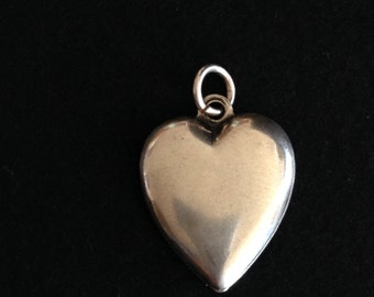 Vintage STERLING SILVER Puffed HEART