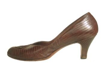 Vintage 1950s Palizzio brown Lizard skin court shoes babydoll pumps with fan detail UK 6-8.5 US 8-10.5