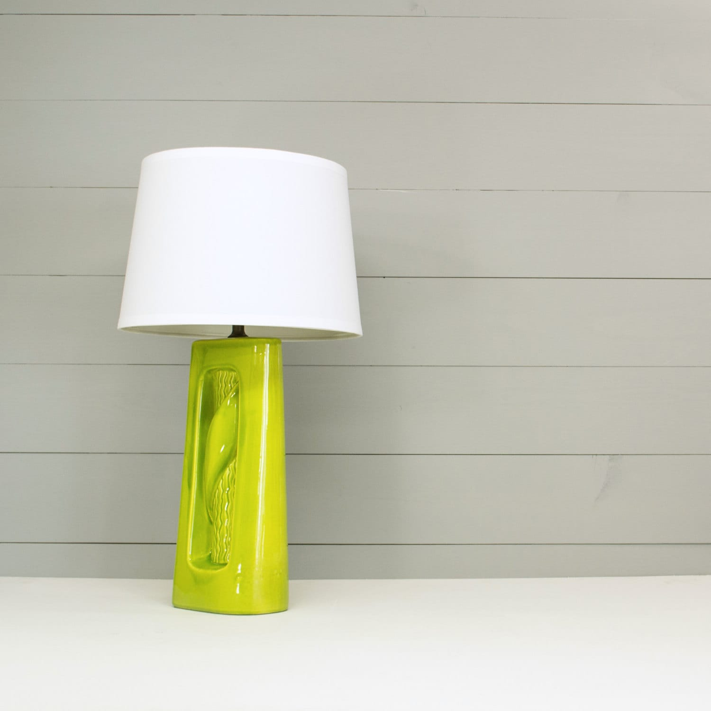 lime green ceramic lamp mid century vintage lighting. Black Bedroom Furniture Sets. Home Design Ideas