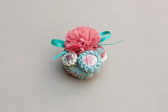 Flower cluster circle pin brooch, crochet and fabric jewelry - peach pink, light blue, white - OOAK