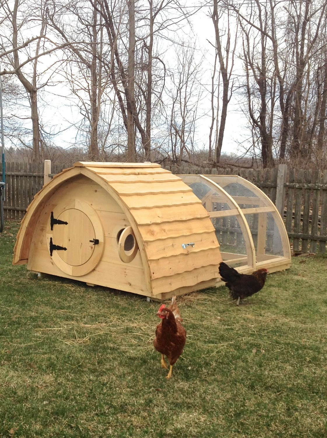Hobbit hole chicken coop attached run for up to 6 birds for Chicken run for 6 chickens