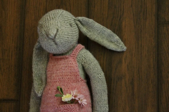 Thread Bears® Claire the Hare Knit PDF PATTERN instant download tutorial. Instructions for: softie / rag doll / rabbit / bunny toy / plush