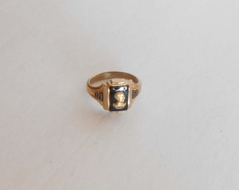 Antique 1967 Riley 10K Solid Yellow Gold School Ring 3.8 Grams, Size 6