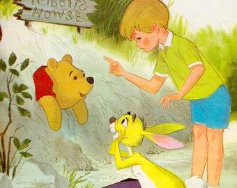 Walt Disney Presents - Winnie-the-Pooh: A Tight Squeeze (A Big Golden Book)